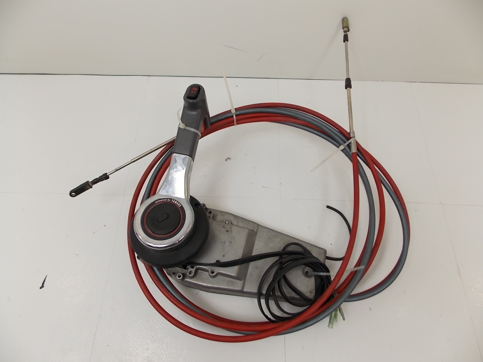 Yamaha Outboard Control Cables : Yamaha concealed side mount remote control box cables