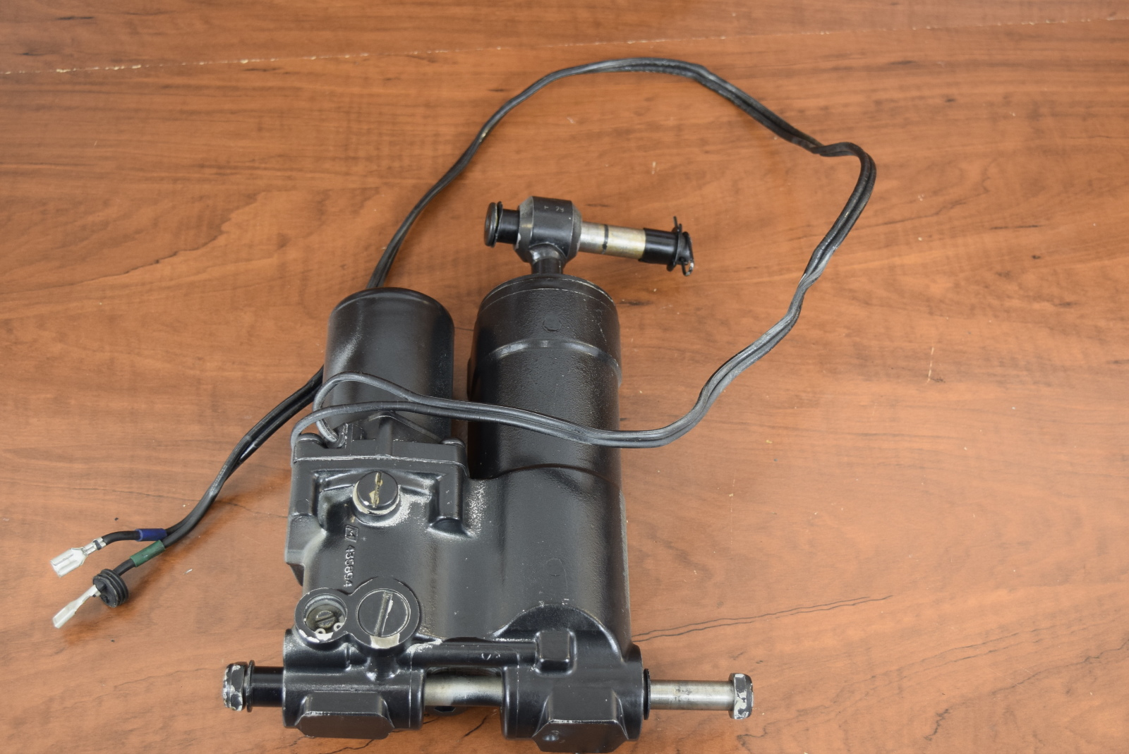 Johnson Evinrude Power Tilt Trim Hydraulic Unit 1989 2005