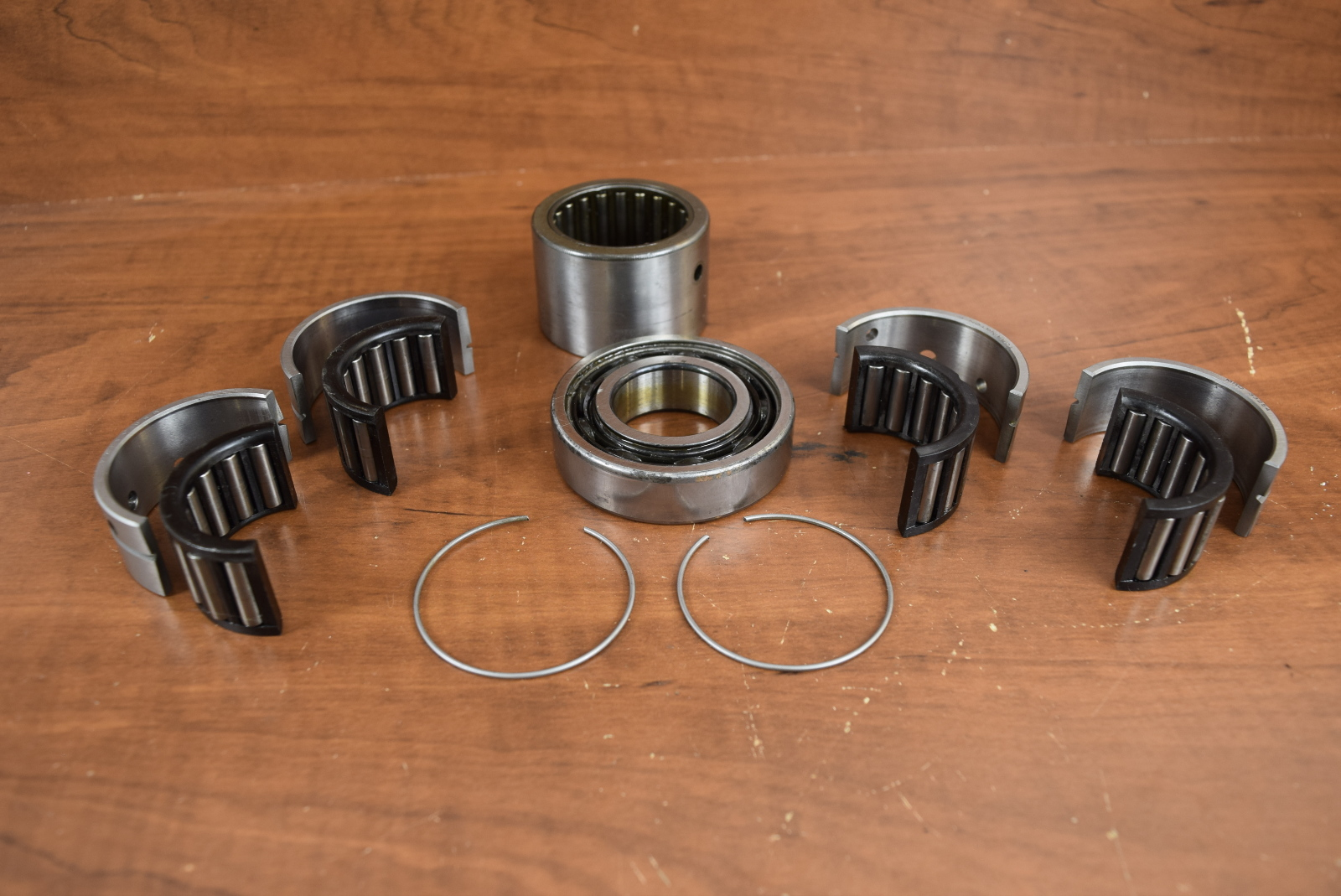 Johnson evinrude crankshaft bearing set 1987 2005 35 40 45 for Motor bearing cross reference