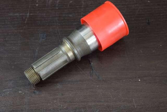 NEW! 1972-77 OMC Cobra Upper Driveshaft  Pinion Shaft 907738 120 140 175 190+ HP