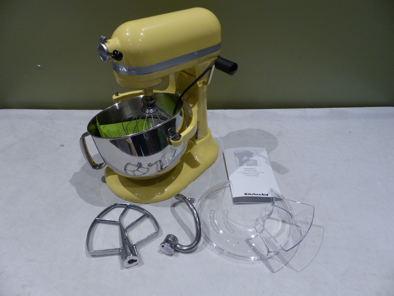 KITCHENAID PRO 600 SERIES 6QT MAJESTIC YELLOW STAND MIXER  -> Kitchenaid Yellow
