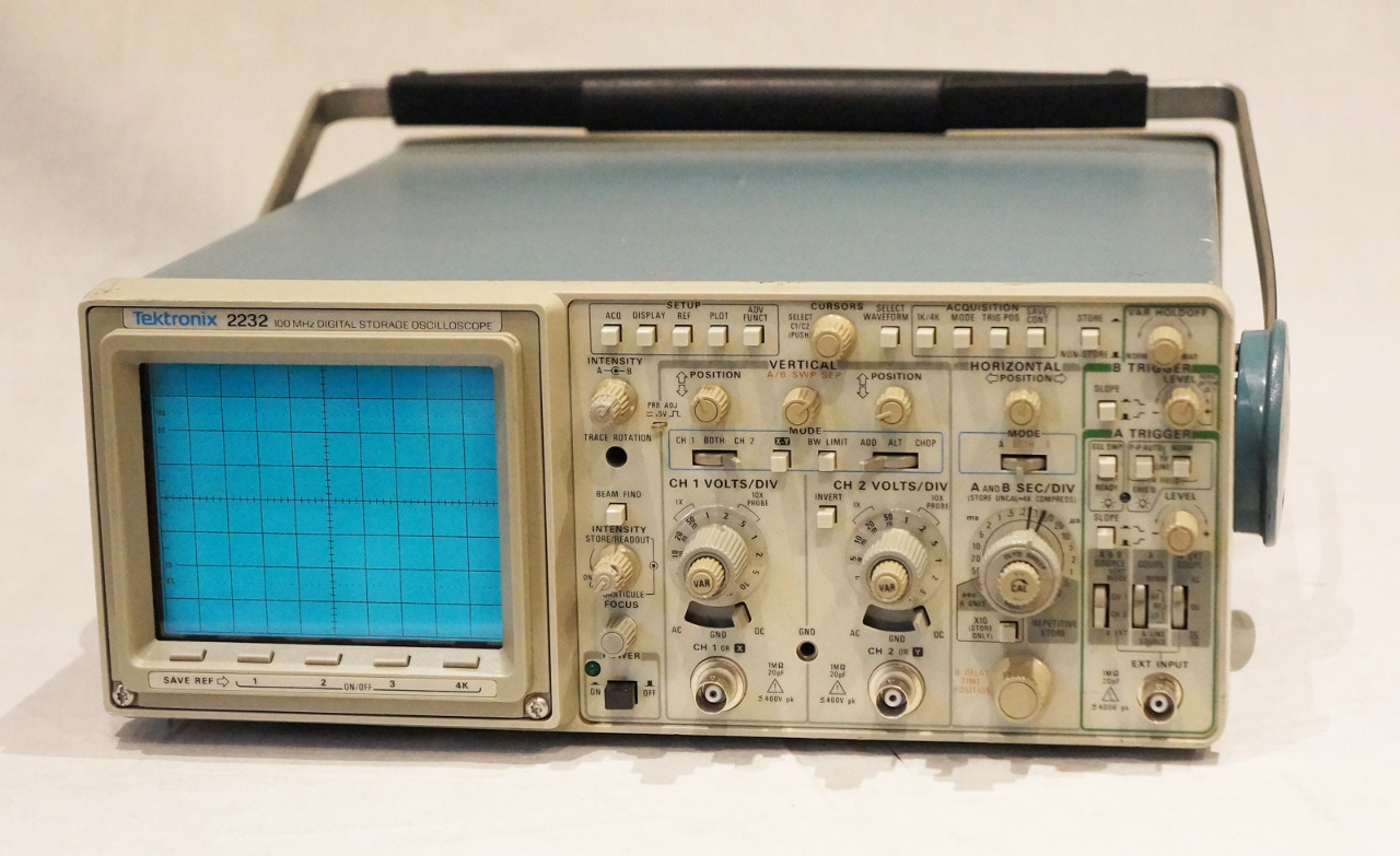 Tektronix Analog Oscilloscope : Tektronix mhz digital analog oscilloscope mdg