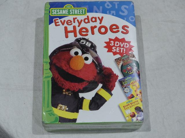 SESAME STREET: EVERYDAY HEROES DVD SET NEW