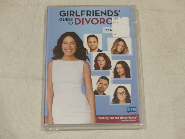GIRLFRIENDS' GUIDE TO DIVORCE: SEASON ONE DVD SET NEW