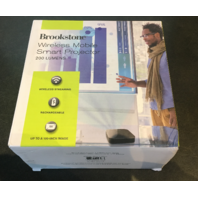 BROOKSTONE 318023 200-LUMEN WIRELESS MOBILE SMART PROJECTOR