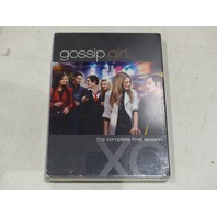 GOSSIP GIRL THE COMPLETE FIRST SEASON DVD NEW / HAS CUT ON BACK WHERE BARCODE IS