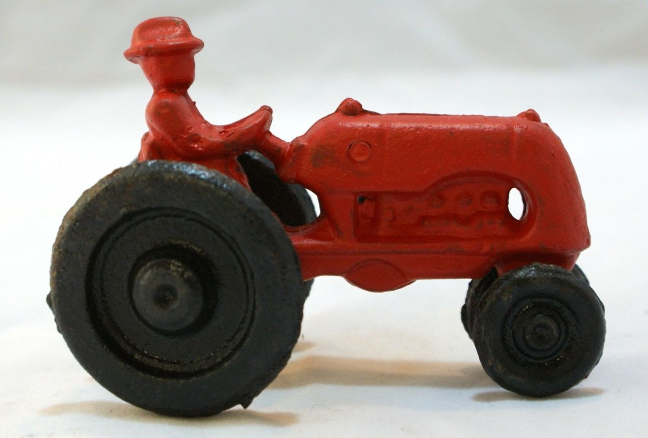Cast iron red farm tractor toy international harvester ih for International harvester decor