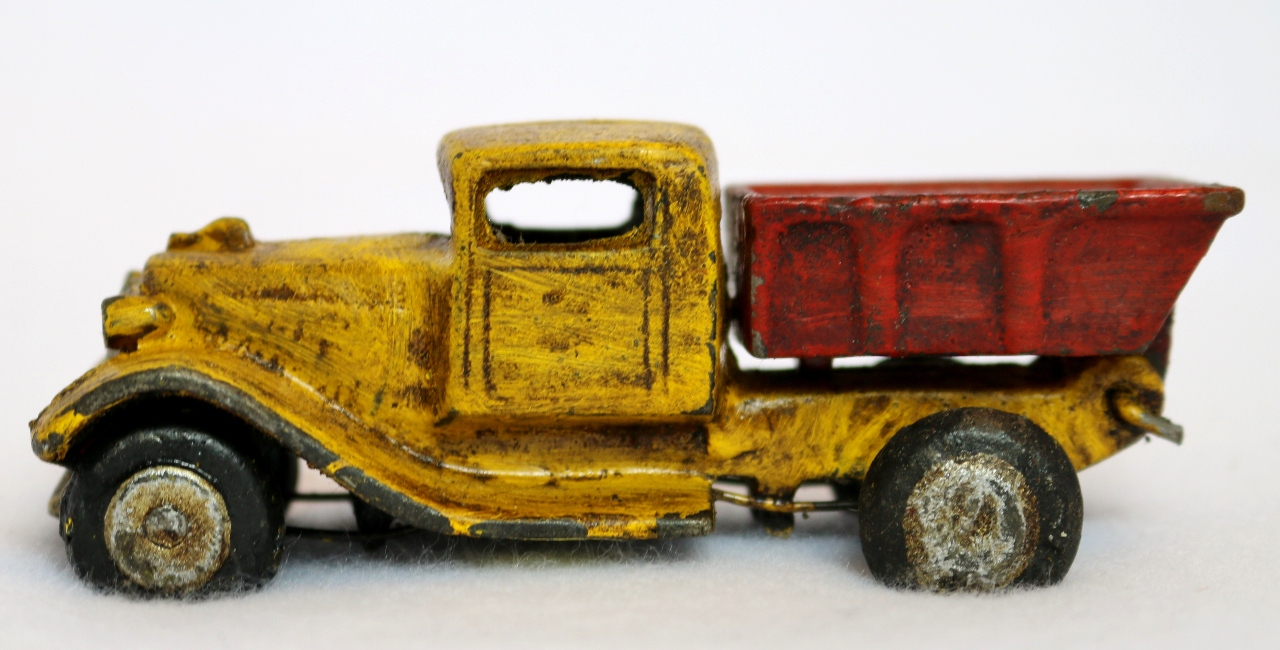 Football Toy Trucks : Cast iron toy dump truck vintage style home kids bedroom