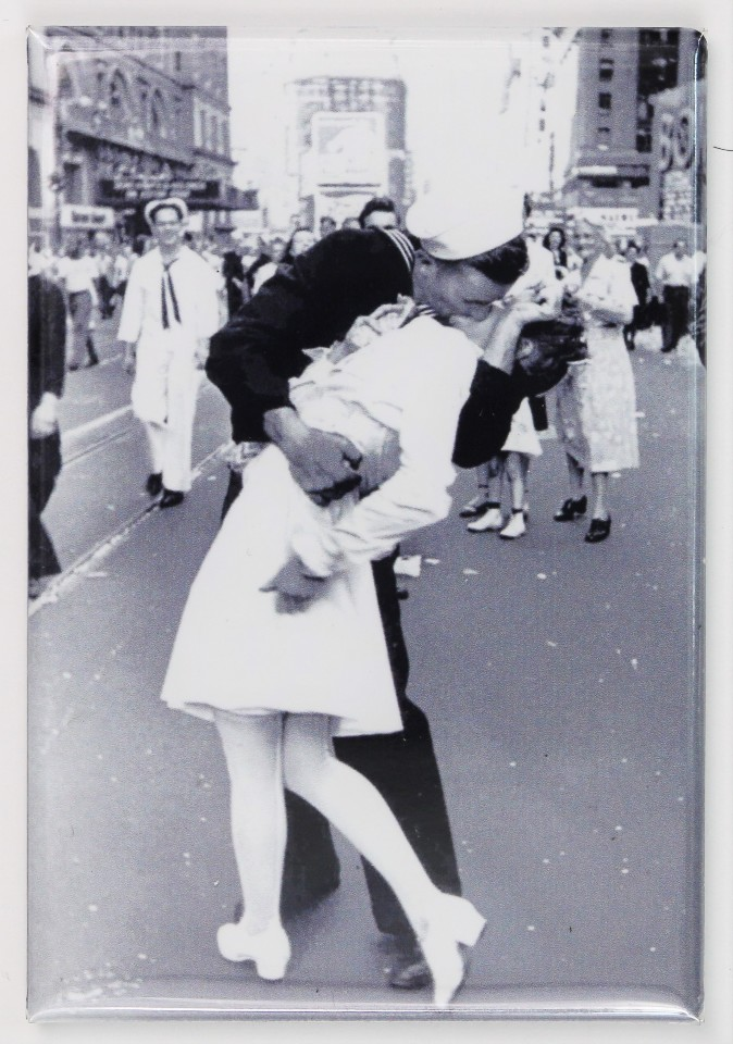 Wwii Victory Day Times Square Kiss Fridge Magnet World War