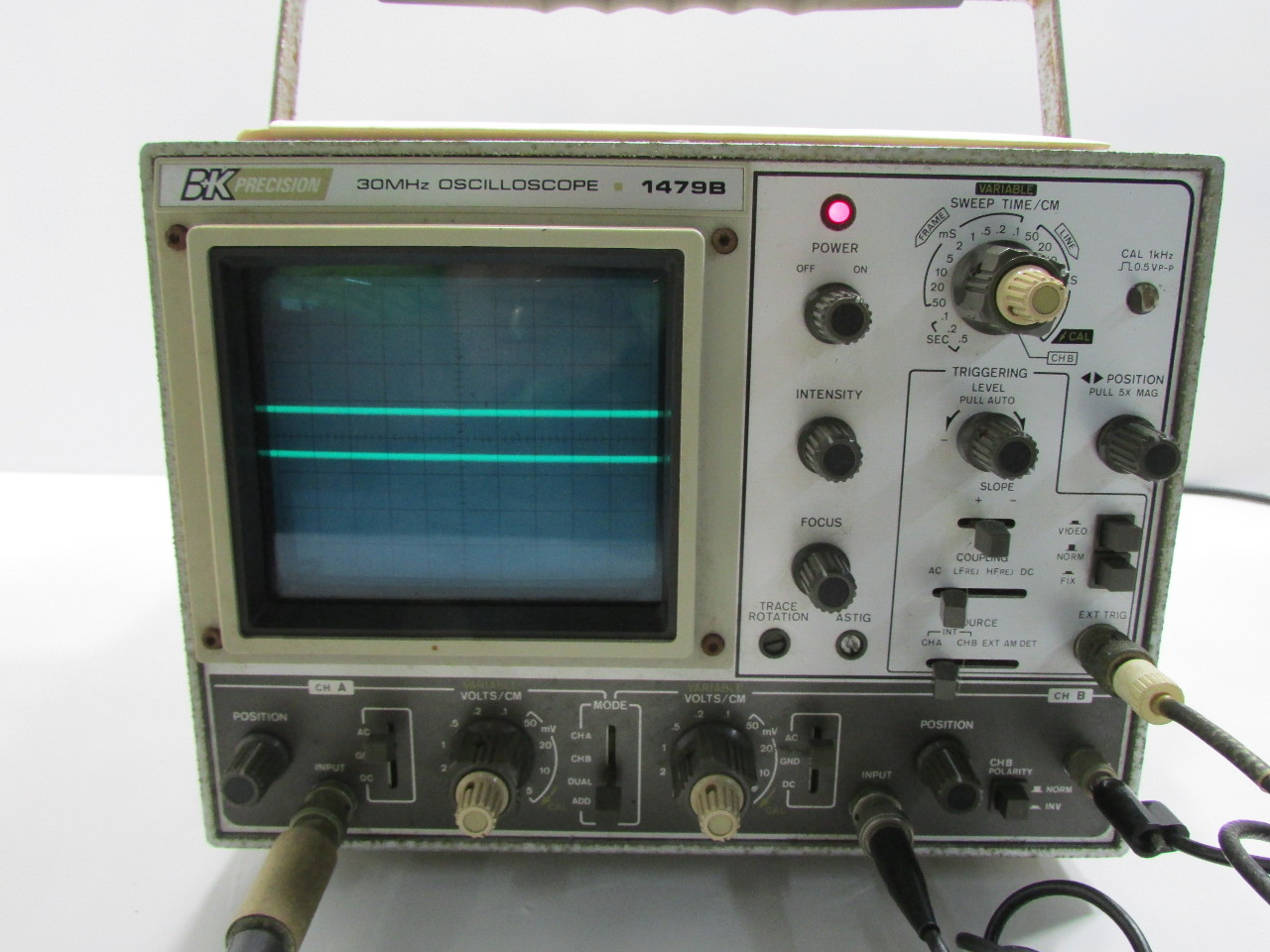 Amp On An Oscilloscope : B k precision mhz dual trace oscilloscope