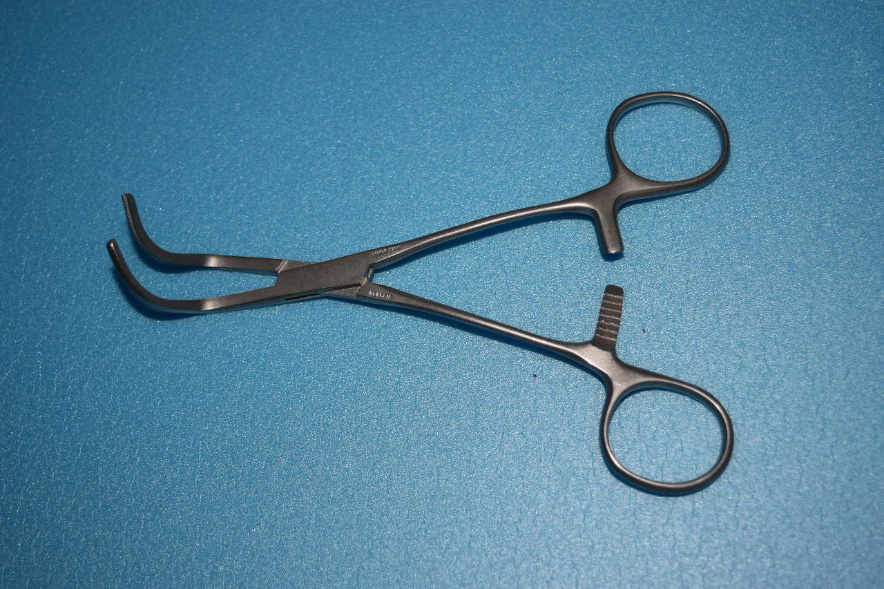 * SIMMETRY SURGICAL CONDMAN 9212N CURVED CLAMP