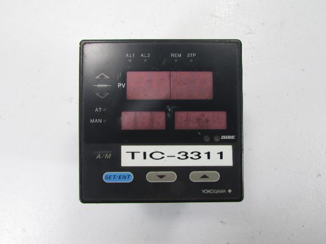 YOKOGAWA UT37 E DIGITAL TEMPERATURE CONTROLLER