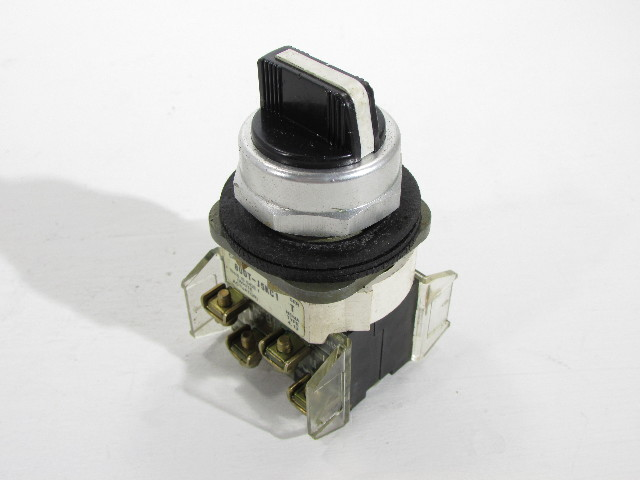 ALLEN BRADLEY 800T-J5KC1 30MM SELECTOR SWITCH