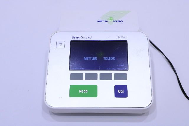 METTLER TOLEDO SEVENCOMPACT pH/Ion S220 METER