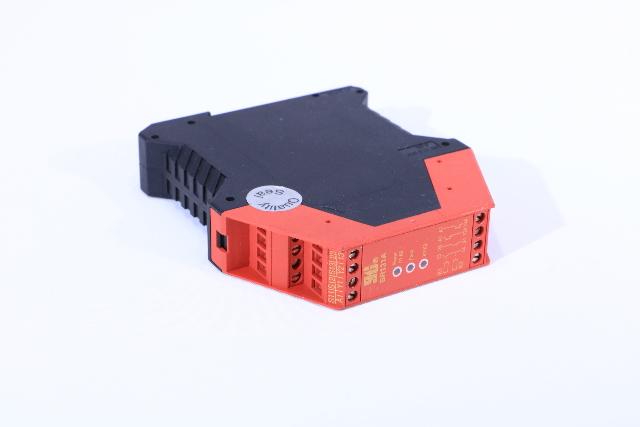 STI OMRON 44510-1310 SR131A00 SAFETY RELAY