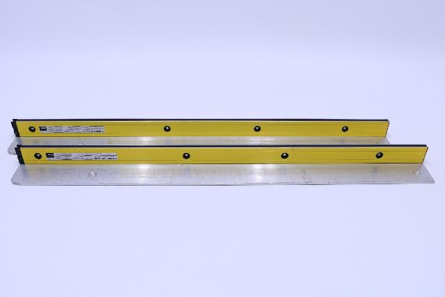 LOT OF (2) SICK OPTIC ELECTRONIC LGTS060-231  TYPE 2 SENDER