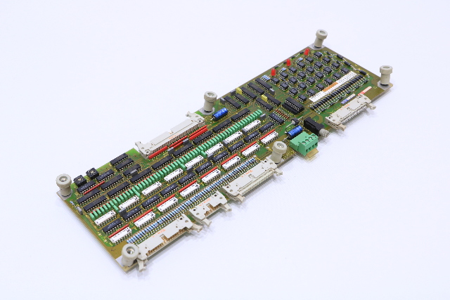 * SIEMENS 6FX1124-6AD02 CNC DRIVE BOARD 64 IN 32 OUT