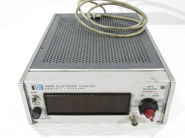 HEWLETT PACKARD 5321B ELECTRONIC COUNTER