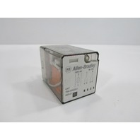 Allen Bradley - 700-HA32A1 - Relay Ser. D W/ CAT NO. 700-HN125 Base