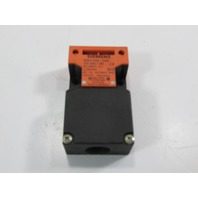 SIEMENS 3SE2-243-0XX INTERLOCK SW,TOP AND SIDE ENTRY USED