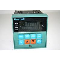 * HONEYWELL UDC3000 DC3001-0-00A-2-00-0111 TEMPERATURE CONTROLER VERSAPRO 120VAC 60HZ 10VA