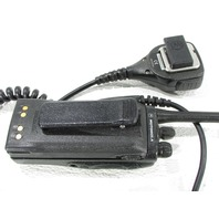 MOTOROLA AAH25RDC9AA2AN TWO WAY RADIO W/ CHARGER