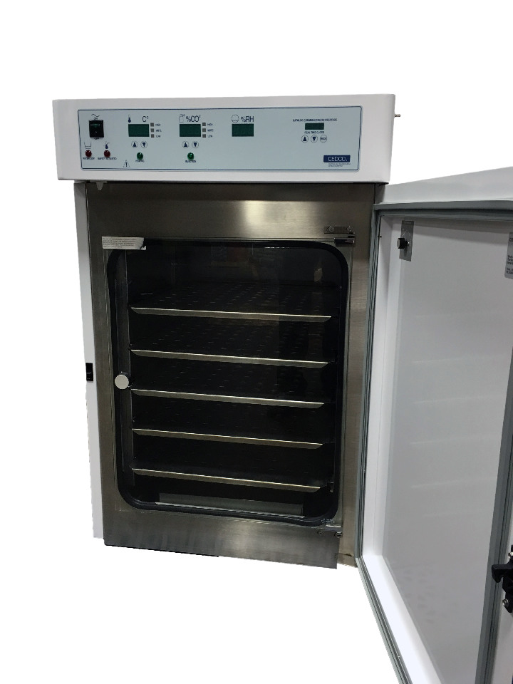 cedco controlled environment devices company model 1610 co2 incubator