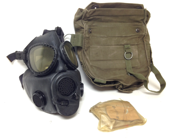 VINTAGE FETISH MILITARY M18 BONDAGE GAS MASK GASMASK USM + BAG