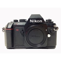 Nikon N2000 35mm Film SLR Camera Body