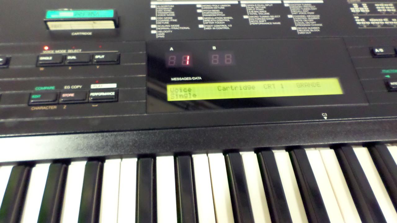Yamaha dx7 on Shoppinder