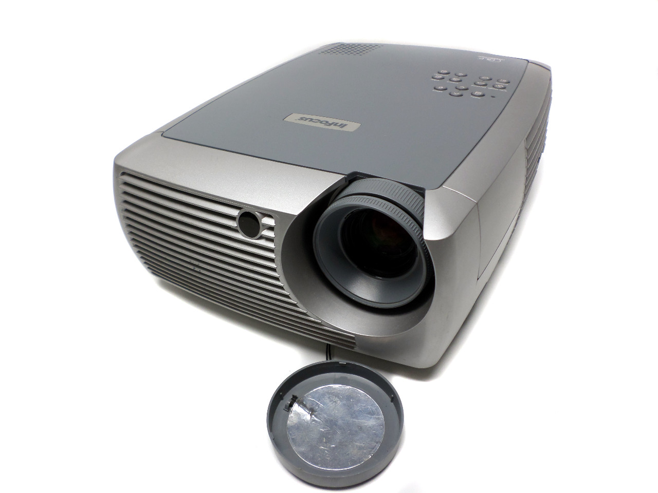 Infocus x1a dlp multimedia projector 1080i hd home theater for Hd projector