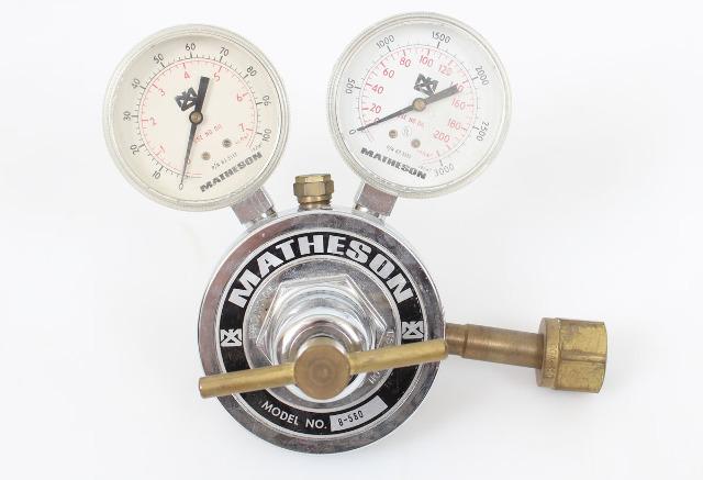 Matheson Dual Stage Oxygen Regulator Model 8-540 CGA-580
