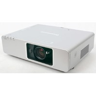 Panasonic PT-F300U LCD Home Theater Projector XGA 4000 Lumens - Nice! ST0035851
