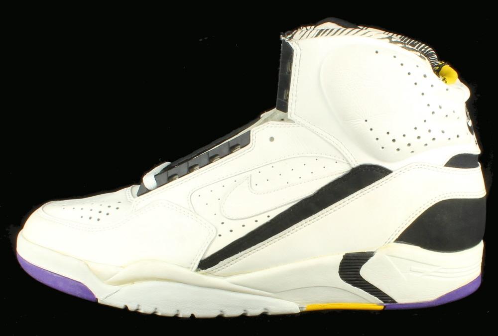 vintage nos nike mens basketball air flight lite ii white purple lakers sz 15 ebay. Black Bedroom Furniture Sets. Home Design Ideas