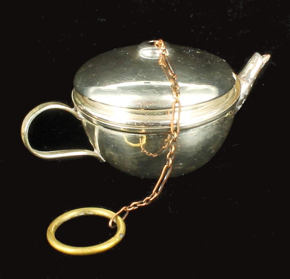 antique silverplate tea pot kettle shaped tea ball strainer dipper infuser ebay. Black Bedroom Furniture Sets. Home Design Ideas
