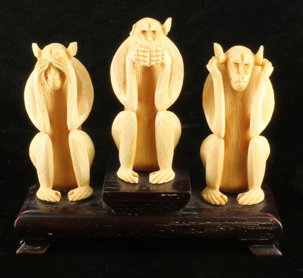 Three wise monkeys wooden ornaments - Antique Chinese 3 Wise Monkeys Hand Carved Figurine Statue Set Wood Oxen