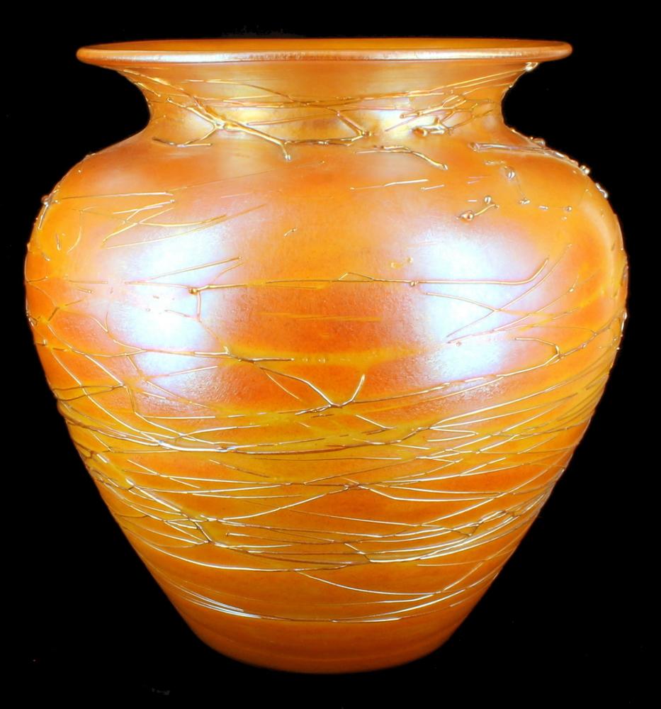 Antique durand orange iridescent threaded art glass vase for Orange vase