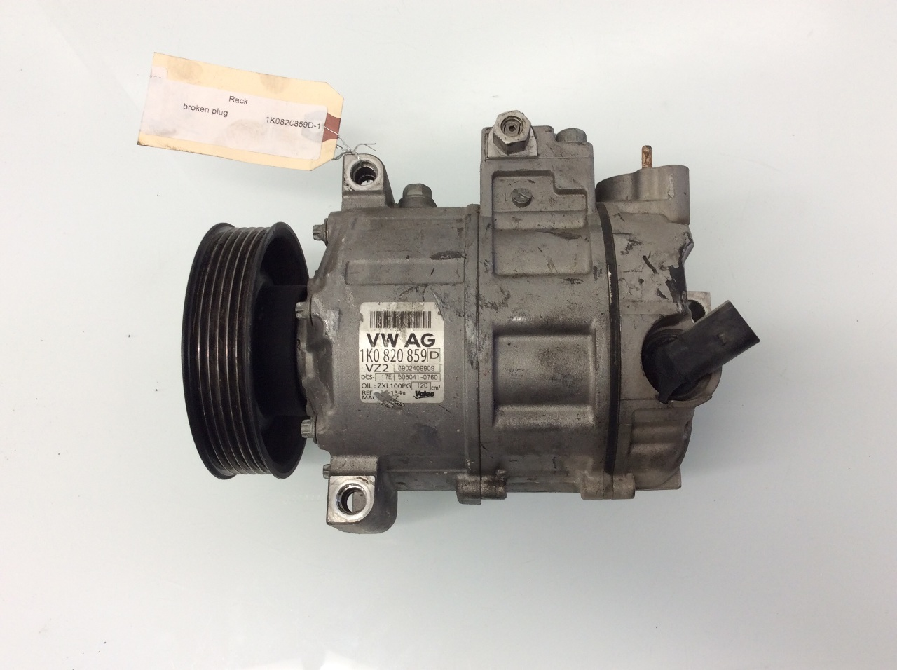 Volkswagen Jetta Tiguan Passat Eos Audi A3 AC Compressor 1K0820859D Broken Plug