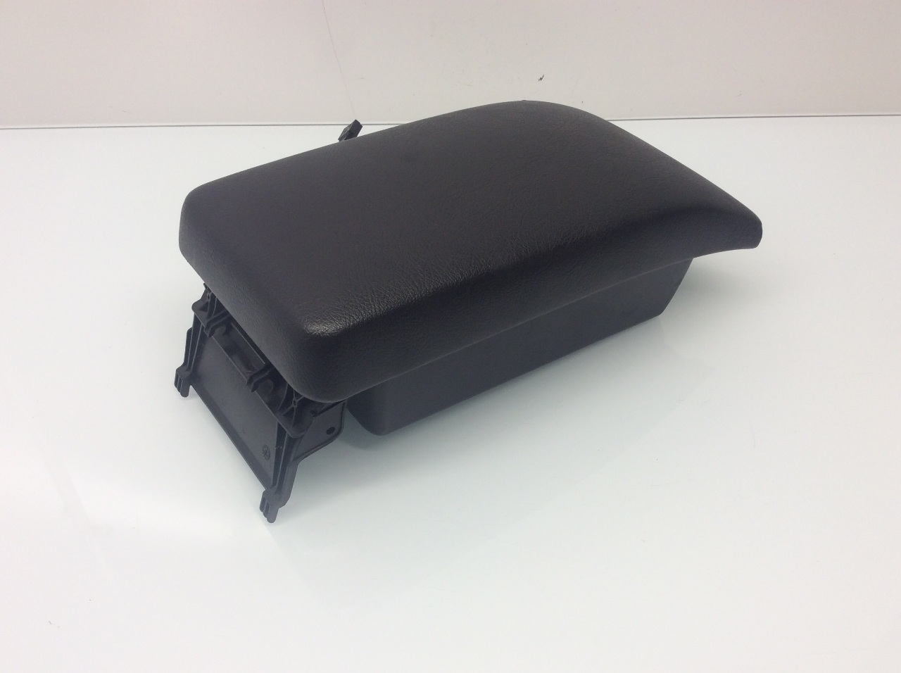 Mercedes clk320 clk430 clk55 center console lid armrest for Mercedes benz center console lid