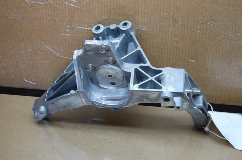 12 Fiat 500 Abarth Alternator Compressor Bracket