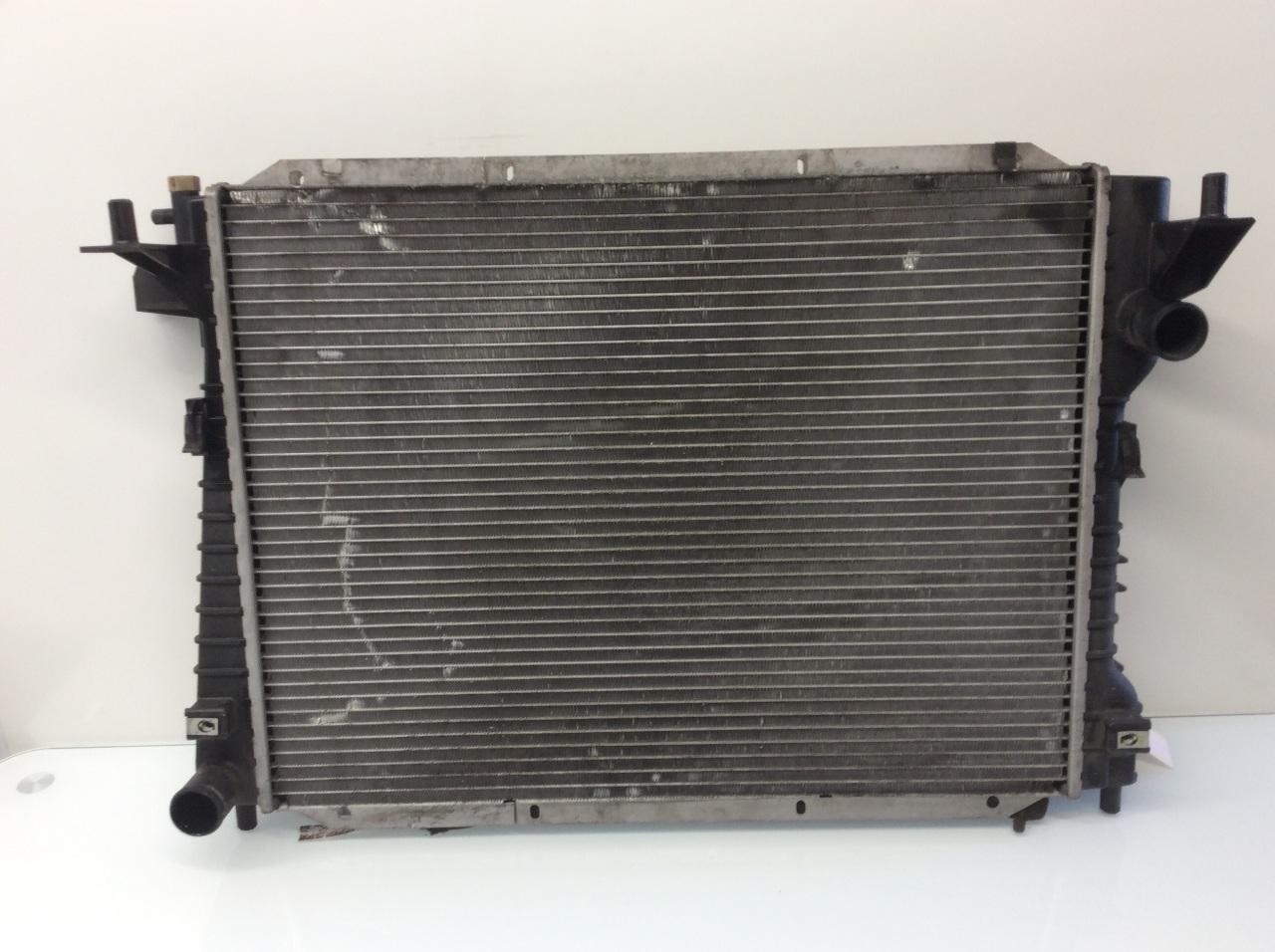 00 01 02 Jaguar S-type radiator assembly 4.0 XR82935
