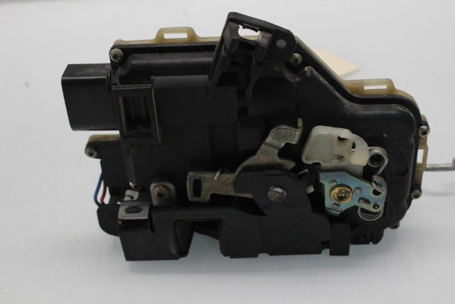 2004 Audi Allroad Quattro Wagon Base 2.7 Gas Passenger Right Front Door Latch