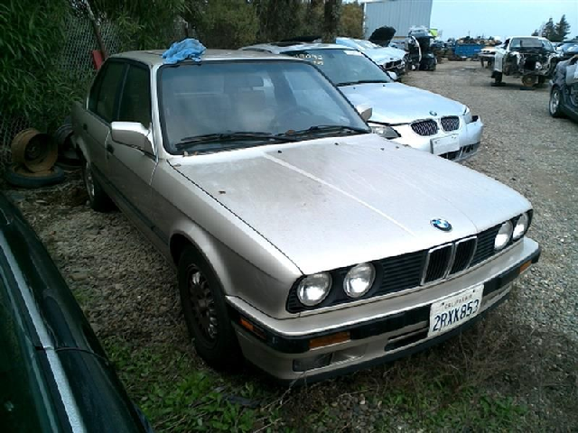 1990 BMW 325i 2.5 Sedan Damage for Parts 17035