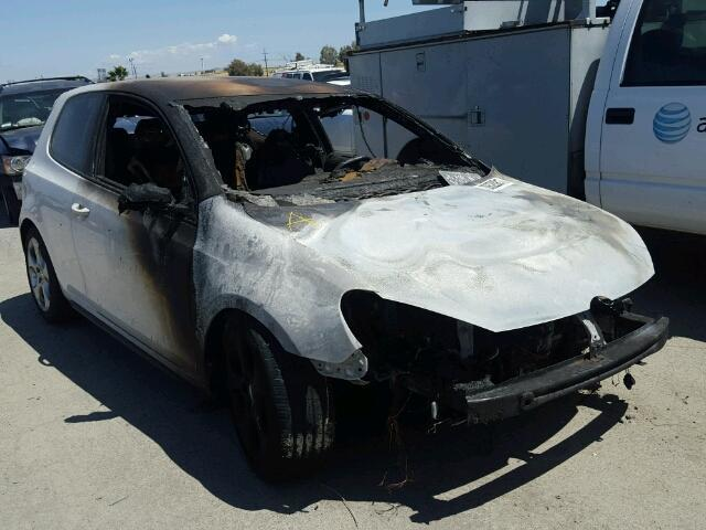 2010 Golf Volkswagen Hatchback 2 door/White Fire Damage