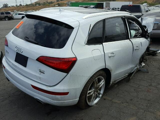 2017 Q5 Audi wagon 4Dr/White Front Damage