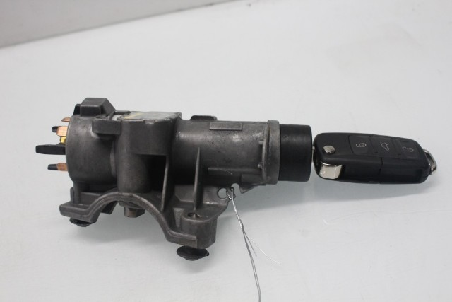 2003 Volkswagen Jetta GLS Sdn 4dr 1.8t Gas Ignition Switch and Key 4B0905851C