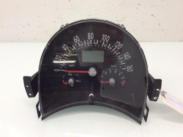 2003 Volkswagen Beetle 1.8 AT Speedometer Instrument Cluster Broke Lens Clip