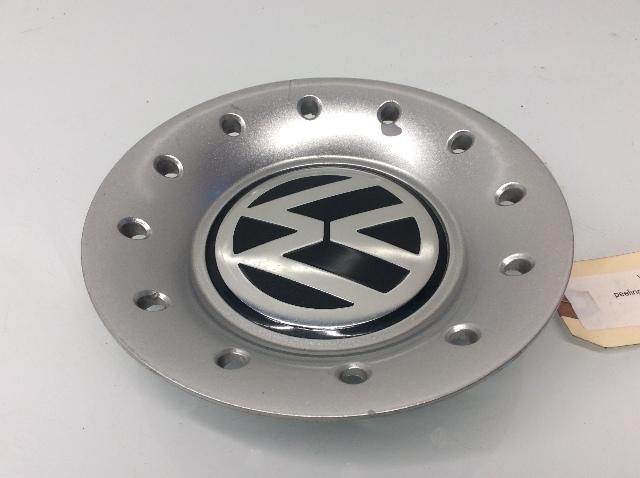 1999 2000 2001 2002 - 2005 Volkswagen Jetta Center Wheel Cap Peeling