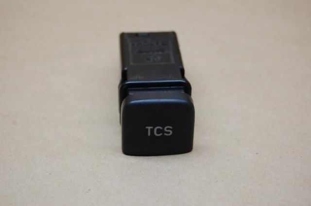 99 00 01 Saab 9-5 Traction Control Switch Tcs 4694303