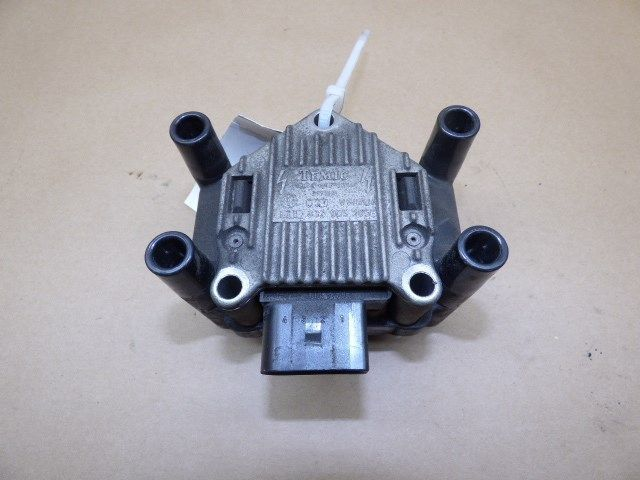 1998 1999 2000 2001 Volkswagen Jetta Beetle Golf 2.0 Ignition Coil 032905106B